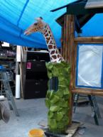 The fully assembed Giraffe sculpture.